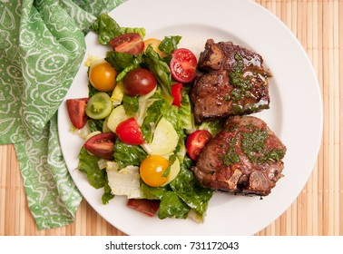 lamb chops with mint and summer salad, a ketogenic diet meal