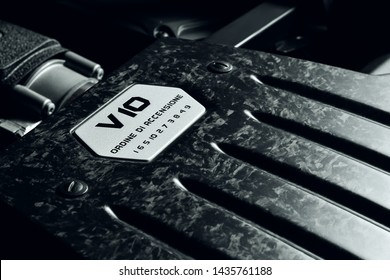 Lamborghini Huracan V10 engine bay