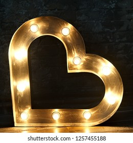 lamp lanterns, heart-shaped glowing, light bulb heart