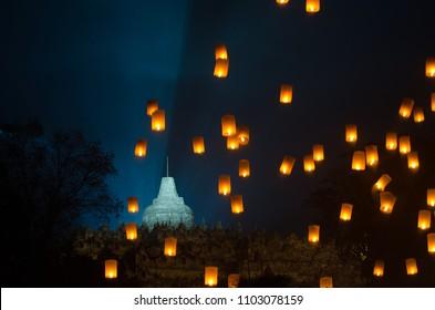 Lampion waisak / vesak at borobudur temple, yogyakarta