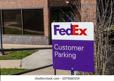 Lancaster, PA, USA - April 22, 2018:  Customer parking sign located at the FedEx office in Lancaster.