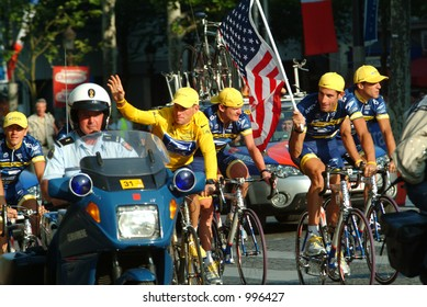 Lance Armstrong and US Postal Team on Champs Elysees in Paris 2004