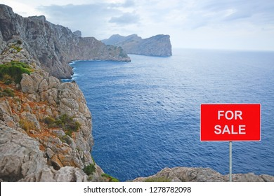 Land for sale -  Coastal ground with FOR SALE sign
