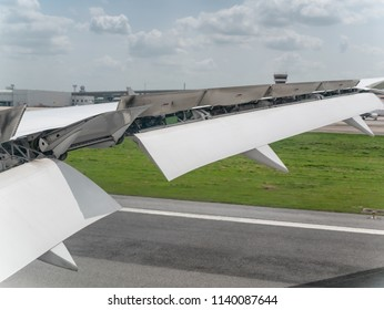 Aircraft Spoilers Images, Stock Photos & Vectors   Shutterstock