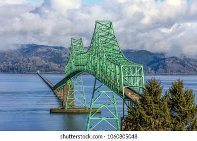The landmark Atoria, Oregon bridge that spans across the mouth of the mighty Columbia River.