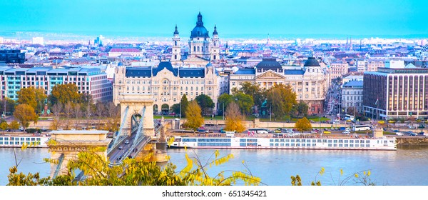 Landmark of Budapest, Szechenyi Chain Bridge, river Danube, houses panoramic banner