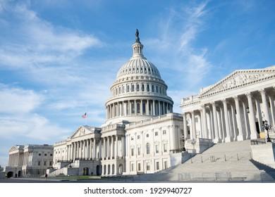 Landmarks around Washington DC includes Capitol Building, Supreme Court, Washington monument, national mall.