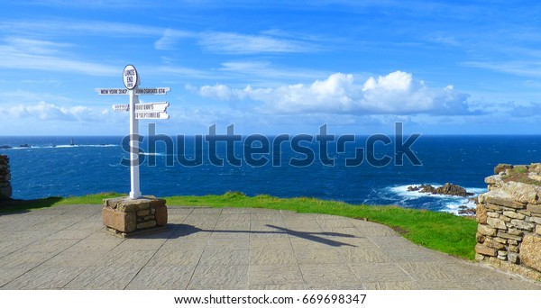 Lands end sign in Cornwall