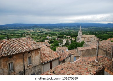 Landscape of antique village of Bonnieux and countryside, Vaucluse, Provence, France