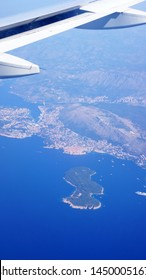 THe landscape of Dubrovnik from airplane