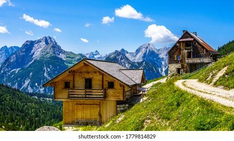 paysage des alpes européennes entre les montagnes de rofan et de karwendel - vue depuis plumsjoch