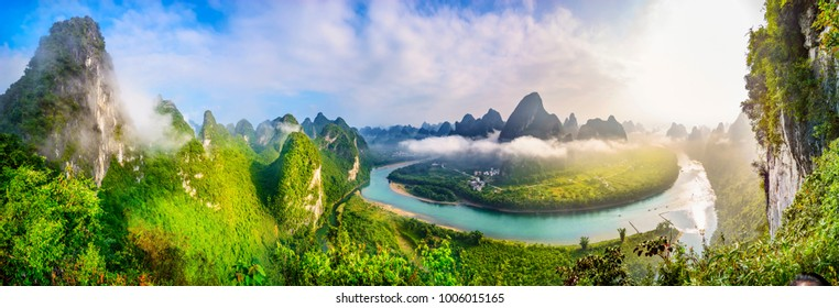 Landscape of Guilin, Li River and Karst mountains. Located near The Ancient Town of Xingping, Yangshuo, Guilin, Guangxi, China.
