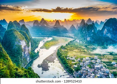 Landscape of Guilin, Li River and Karst mountains. Located in Yangshuo, Guilin, Guangxi, China.