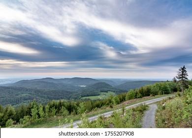 Landschaft mit Hügeln im Schwarzwald