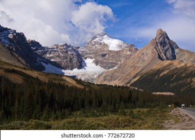 Landscape at Icefields Parkway in Western Canada