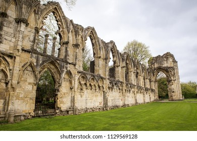 landscape image of St Mary's Abbey Ruins in york