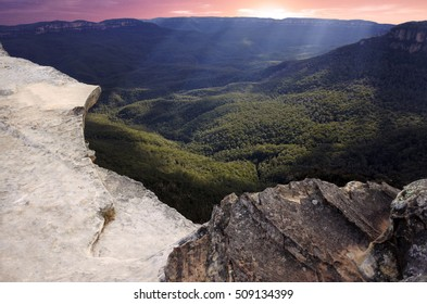 Landscape of Lincoln Rock Lookout at sunset in the Blue Mountains National Park in the Blue Mountains region of New South Wales, Australia