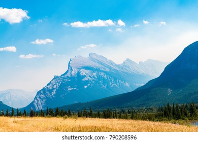 landscape of montains in banff, with the blue sky