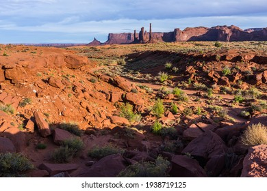 Landscape of Monument Valley. In the background, Totem Pole and Yei Bi Chei.