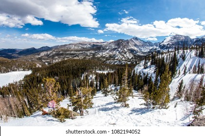 Landscape of the mountains in Rocky Mountain National Park (Colorado).