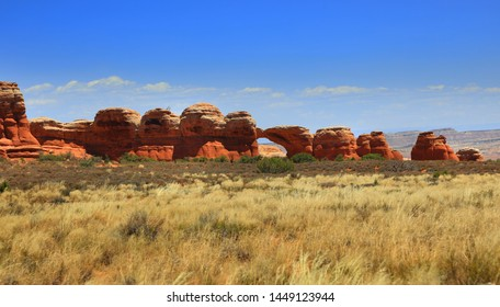 Landscape on the way to Broken arch in Arches national park