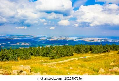Landscape Panorama Blick von der Bergspitze Brocken im Harz Bergen Wernigerode Sachsen-Anhalt Deutschland