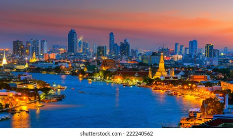 Landscape panoramic Temple of the Dawn - Wat Arun, twilight time stunning sky in Bangkok city, Thailand.