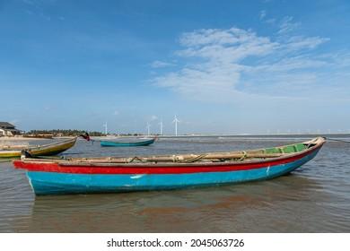 Landscape of Pedra do Sal Beach, rocks, sea and canoes. Pedra do Sal beach, Parnaíba, Brazil. August 2021