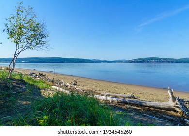 Paysage du rivage et de l'océan dans le secteur de la Penouille du parc national Forillon, Péninsule-Gaspe, Québec, Canada