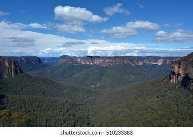 Landscape view of Govetts Leap Lookout of the Grose Valley located within the Blue Mountains National Park in the Blue Mountains region of New South Wales, Australia.