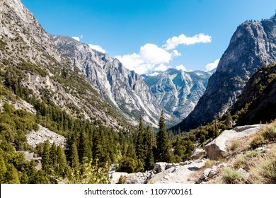 A landscape view of King's Canyon national Park in California.