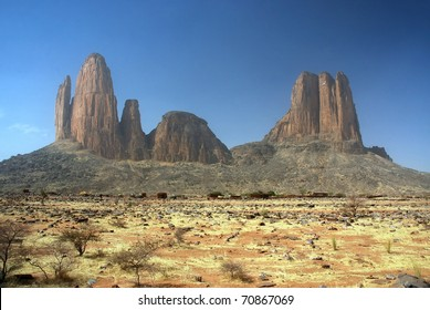 Landscape view of the Monument Valley of Mali with the Main de Fatima rock formation near Hombori