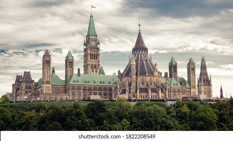 Landscape view of the parliament of Canada from Alexandra bridge