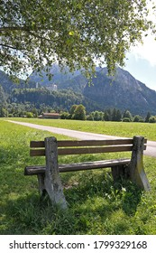 Paisaje con banco de madera en los alrededores de Fussen