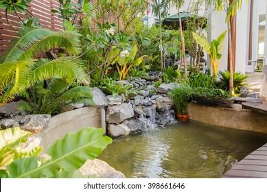 Landscaped  of  garden home design