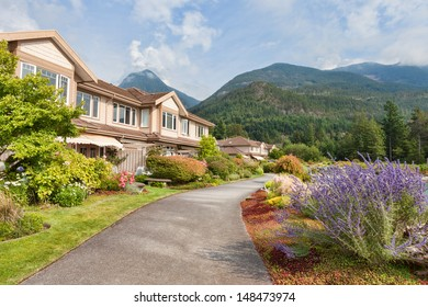 Landscaped Mountain-side Residential Community