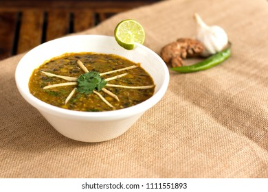 Langarwali dal is a popular and tasty punjabi dish which is made from combination of chana dal and split black urad dal.