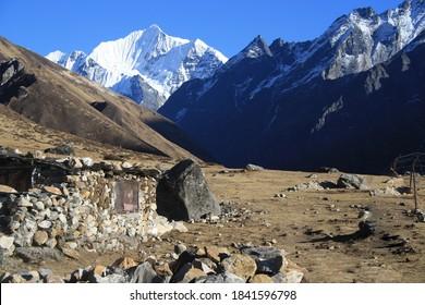 Langtang Valley with Pemthang Karpo Ri and Langshisa Ri, Nepal, Langtang Himal