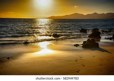 Lanzarote, Puerto Del Carmen, Sunset over the mountains