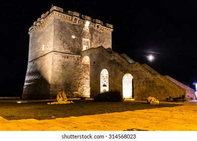 Lapillo Tower by night 01