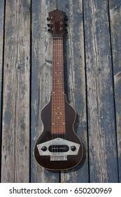 laps-teel guitar