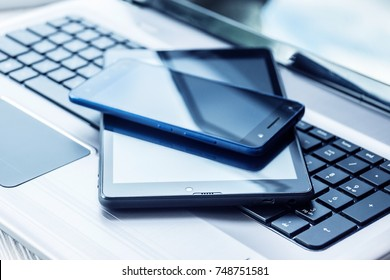 Smartphone and Tablet Images, Stock Photos & Vectors