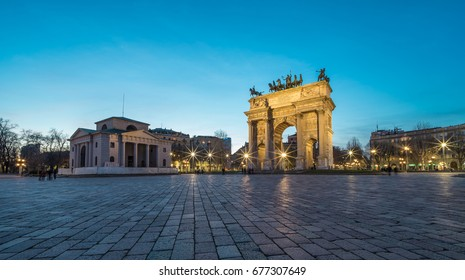 L'Arco della Pace (the Arch of Peace) at dusk in Milan, Italy