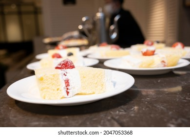 イチゴのショートケーキが大量に出る