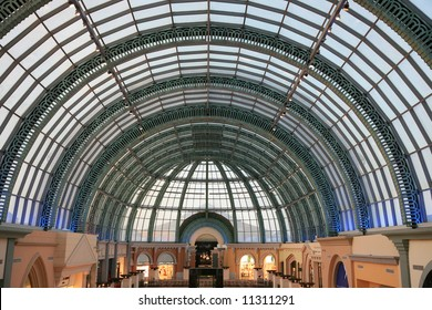 Large Arched Roof in Shopping Centre Dubai