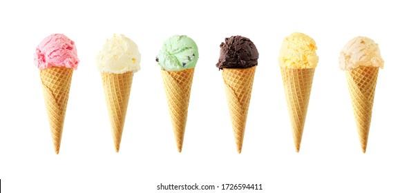 Large assortiment de cônes de crème glacée. Diverses saveurs isolées sur fond blanc