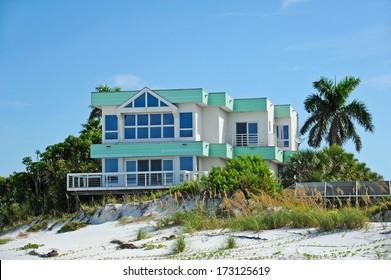 Large Beach House for Sale or Rent. Make a Great Vacation Rental Property.