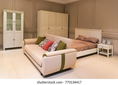 Large bedroom with contemporary design,