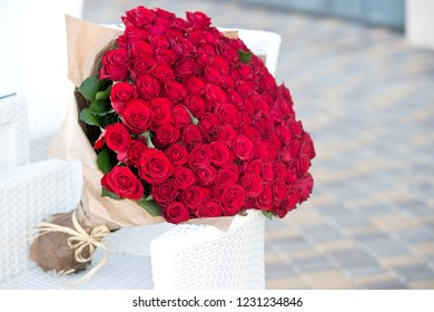 Large bouquet of 101 red rose.
