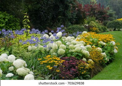 Large English perennial border
